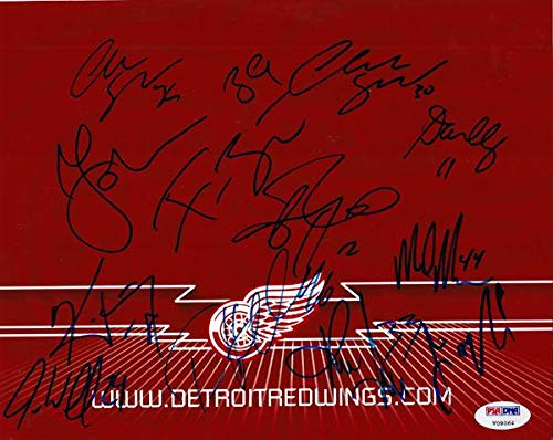 - 2005-2006 Detroit Red Wings Autographed 8x10 Photo With 12 Total Signatures Including Chris Osgood & Tomas Holmstrom #V09064 - PSA/DNA Certified