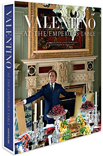 Price comparison product image Valentino: At the Emperor's Table (Legends)