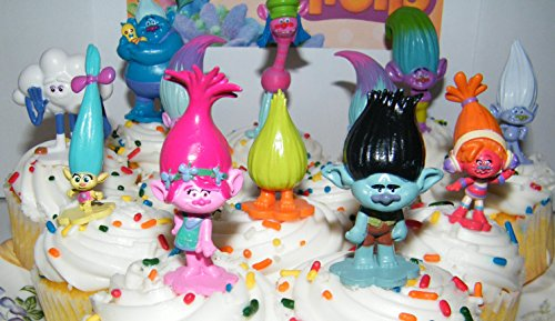 Amazon Dreamworks Trolls Movie Deluxe Party Favors Goody Bag Fillers Set Of 17 With Figures And Treasure Troll Jewels Featuring Princess Poppy