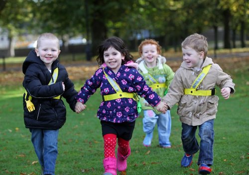 Walkodile Quattro (4 Child) - Kids Walking Rope, Childrens Reins, Toddler Safety Harness. Includes Free Learning Games for Walks Guide by Walkodile (Image #3)