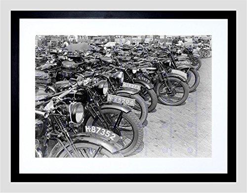 Motorbike Framed (PHOTO VINTAGE TRANSPORT OLD MOTORBIKES MOTORCYCLES FRAMED PRINT)