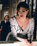 ANGELINA JOLIE (The Tourist) 8x10 Celebrity Photo Signed In-Person