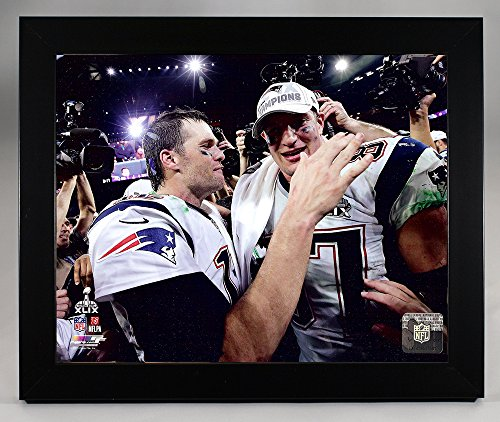 (New England Patriots Tom Brady And Rob Gronkowski Moments After Super Bowl XLIX 49. 8x10 Photo. Picture.)
