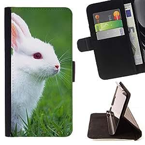 Momo Phone Case / Flip Funda de Cuero Case Cover - Conejo blanco lindo Naturaleza Ojos azules Hierba - HTC Desire 820