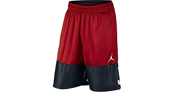 a937ce4d89c086 Amazon.com  Nike Air Jordan Big Kids Classic Blockout Graphic Basketball  Shorts  Sports   Outdoors