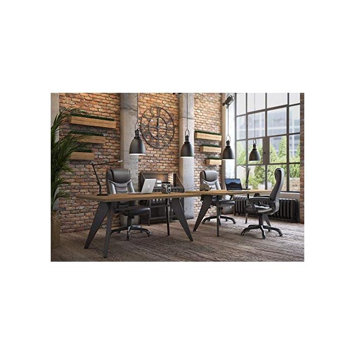 51P8N00RF5L Alta calidad - Cubierta hecha de PU, robusto y fácil de limpiar; asiento tapizado con relleno de esponja extragruesa, con buena elásticidad y cómodo, resistente a la deformación; ruedas de poliuretano, apenas hacen ruido Altura total: 110.5-120 cm, Respaldo: altura de aprox. 67 cm, Diámetro de la base: aprox. 70 cm, Asiento: aprox. 55 cm x 51.5 cm, Altura del reposabrazos: 68-77.5 cm, Altura regulable del asiento: aprox. 47-56,5 cm Estable y confiable - Los accesorios principales, como apoyabrazos, bandeja de metal, ruedas y muelle de gas, son mejorados de alta seguridad, han pasado la prueba BIFMA. La base estrella (5 pies) tiene el diámetro de 70 cm, cuya estabilidad es verificada por SGS. La silla puede soportar hasta 150 kg