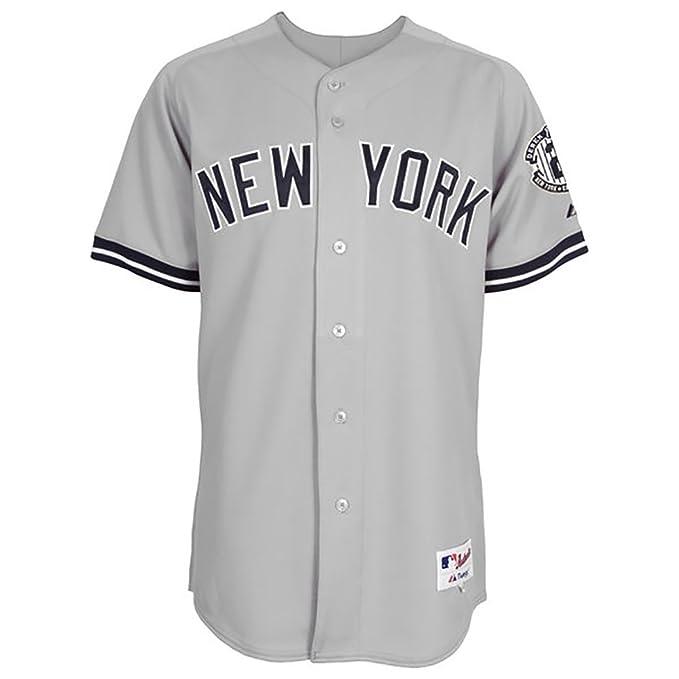 New York Yankees Majestic Road Retirement Patch Cool Base Derek Jeter  Jersey  Amazon.it  Abbigliamento cfb97bc194dd
