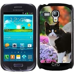 Funda para Samsung Galaxy S3 Mini (GT-I8190) - Gato Del Smoking En Un Jardín De Flores by Katho Menden
