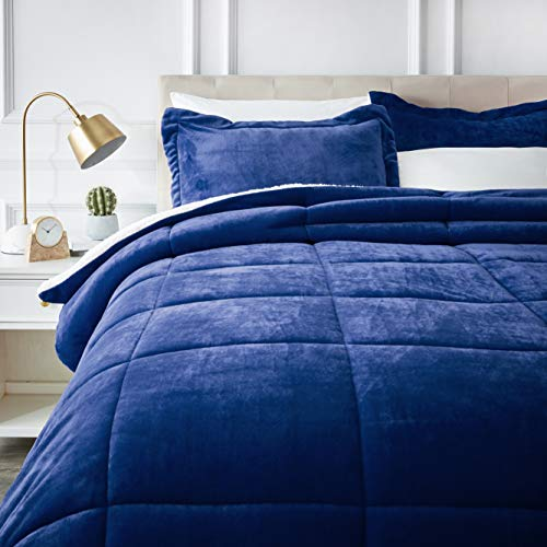 (AmazonBasics Ultra-Soft Micromink Sherpa Comforter Bed Set - Full or Queen, Navy Blue)