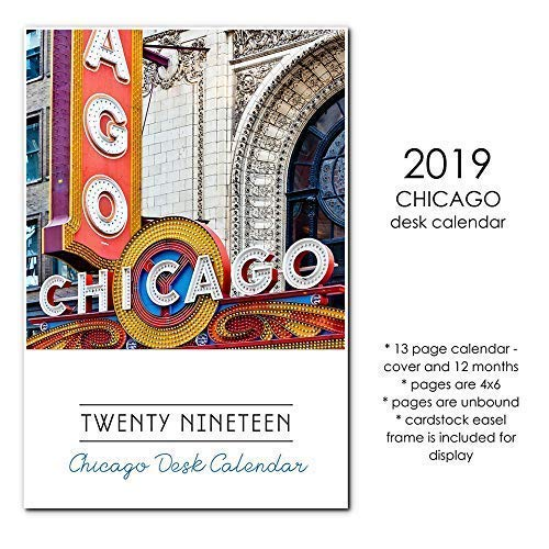 2019 Chicago Monthly Desk Calendar with Display Stand ()