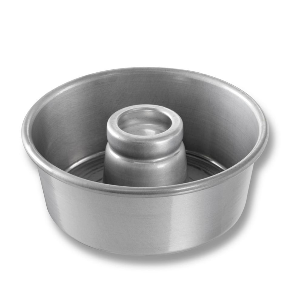 Chicago Metallic 46530 Plain 7-1/2'' Angel Food/Tube Cake Pan