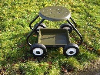 Bullbarrow Garden Scoot Seat With Wheels