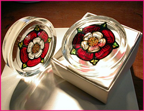 Decorative Hand Painted Stained Glass Paperweight in an Elizabethan Tudor Rose Design.