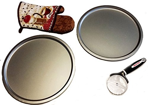 Betty Crocker 3.5 inch Pizza Cutter + TWO 12 inch Pizza Pans and an Oven Mitt