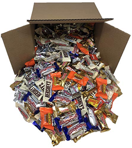 Taboom Bulk Chocolate, Individually Wrapped: 5 LB Box Variety Pack with Hershey's Cookies N Creme Bars, Hershey's Miniatures, Reese's Mini Peanut Butter Cups, Musketeers, Twix, Baby Ruth and Whoppers