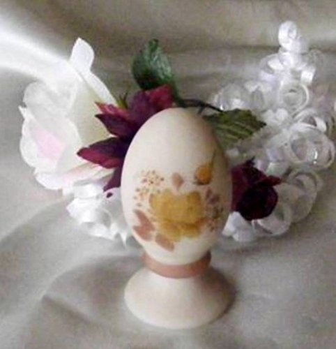 Judys Home Delights Fenton Art Glass Chocolate Roses On Cameo Egg -