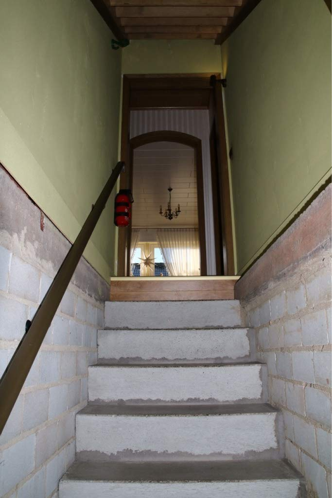 Treppen-Renovierungsstufe im Dekor Macchiato Kostenlose Lieferung Musterstufe//Probest/ück Aktion ca 20 cm x 20 cm und eine CD mit allen Infos zur Treppenrenovierung
