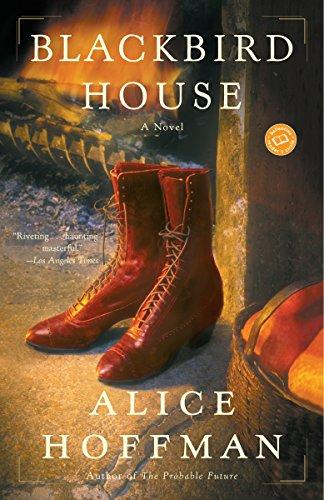 (Blackbird House: A Novel (Ballantine Reader's Circle))