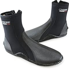 Cressi Minorca 3 mm with durable rubber sole are a warm water boot built-to-last. The boot has a rubber heel and toe cap for added strength and durability of these high-wear areas the super elastic and Ultra Durable Nylon II. 3 mm Neoprene Ru...