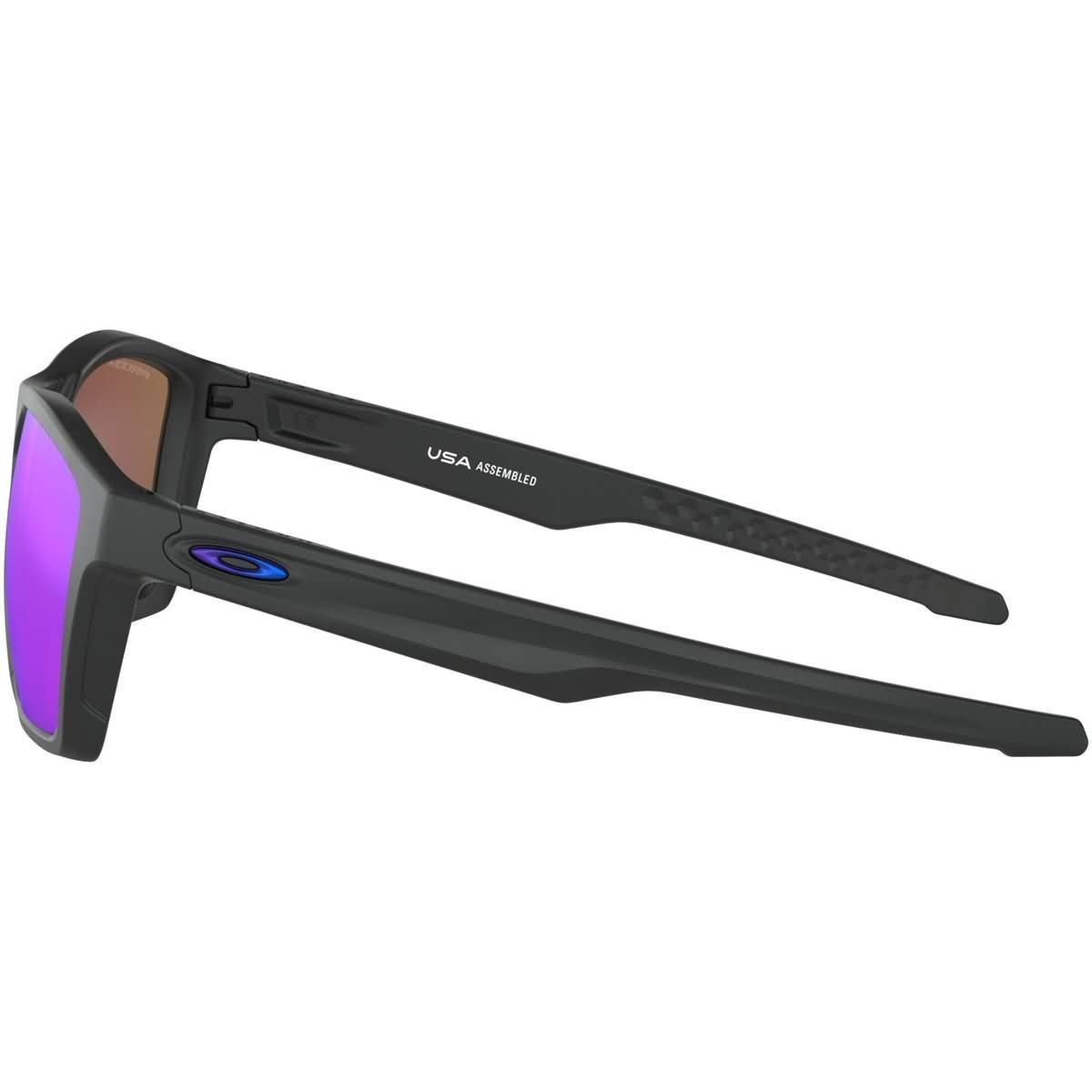 893f2645a2e30 Amazon.com  Oakley Men s Targetline Non-Polarized Iridium Square  Sunglasses