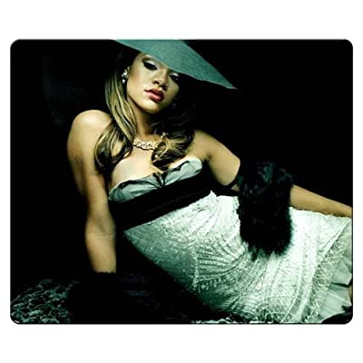 26x21cm 10x8inch Gaming Mouse Pads cloth - rubber Sharp Image Quality computer Rihanna