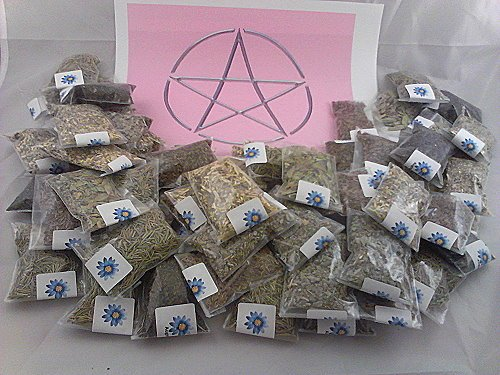 lisas-creations-inc-70-herb-sampler-kit-with-handmade-muslin-bag-3x3-and-charm