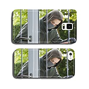 Burglar breaking in a house cell phone cover case Samsung S6