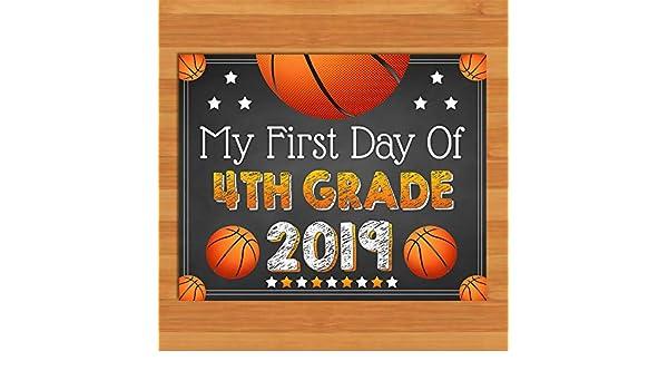 Cartel de Tiza para el Primer día del Cuarto Grado de Baloncesto ...
