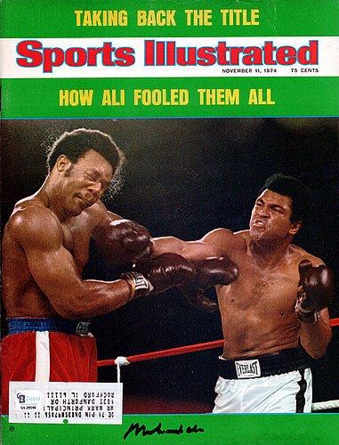 a96e4a1e3d7 Muhammad Ali Signed Sports Illustrated Magazine Vintage - PSA DNA  Authentication - Boxing Memorabilia at Amazon s Sports Collectibles Store