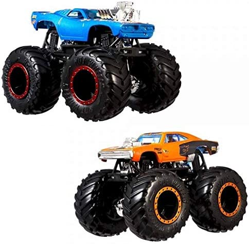 Amazon Com Hot Wheels Monster Trucks Demolition Doubles Giant Wheels Rodger Dodger Vs Dodge Charger R T Toys Games