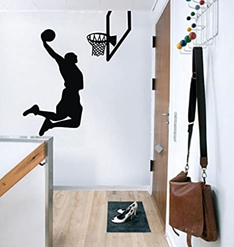 Vinilo baloncesto encestando pared 87x100 cm entrega España 24 Horas