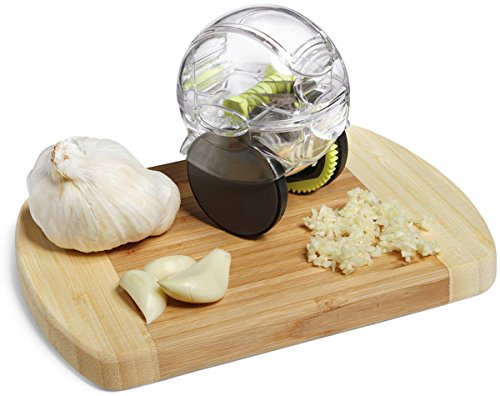 super easy to chop your garlic with this wonder GarlicZoom Garlic Zoom by MrChef/® keep your hands off the smell of garlic