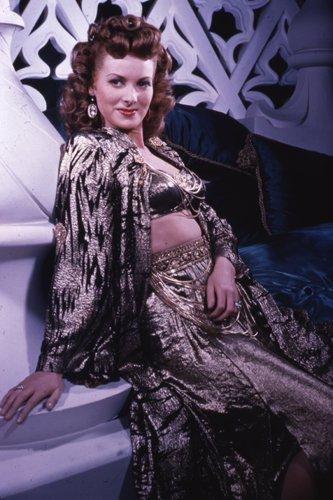 Maureen O'Hara Glamour Pose In Costume 35Mm Film Slide (Vintage Glamour Costumes)