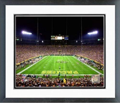 Amazon Com Green Bay Packers Lambeau Field Photo Size 12 5 X 15 5 Framed Posters Prints