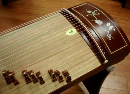 Tianyi Rosewood Guzheng with Mother-of-pearl by Tianyi