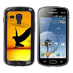 Qstar Arte & diseño plástico duro Fundas Cover Cubre Hard Case Cover para Samsung Galaxy S Duos / S7562 ( Hawk Eagle Bird Wild Flight Sunset Yellow)