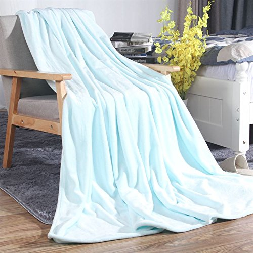 Znzbzt Flannel blankets quilts dorm students extra thick blankets winter coral fleece bed pure color blanket ,127cmx178cm, cyan light green 320g thick