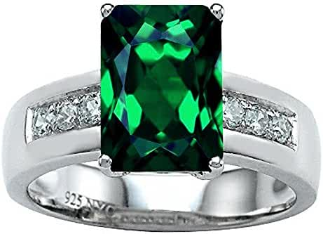 Star K Classic Octagon Emerald Cut 9x7 Ring with Simulated Emerald