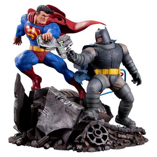 The Dark Knight Statue (DC Collectibles The Dark Knight Returns: Superman Vs. Batman Statue)
