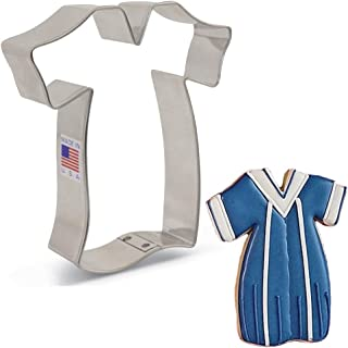 """product image for Ann Clark Cookie Cutters Graduation Gown Cookie Cutter, 4"""""""