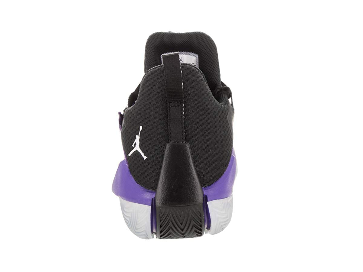 7bb475f5cc643 Amazon.com | Jordan Men's Jumpman Hustle Basketball Shoes (12 ...