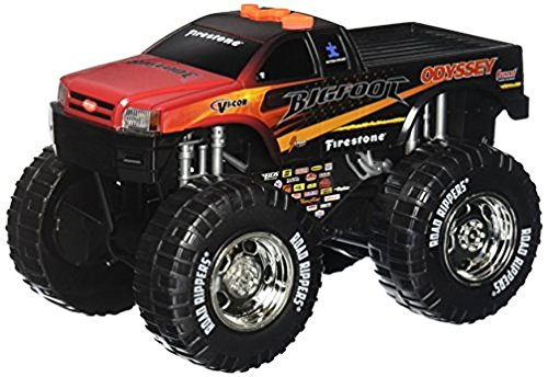 Toy State Road Rippers Light and Sound Wheelie Monsters: Bigfoot
