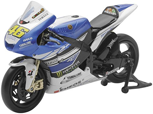 (New Ray Toys Street Bike 1:12 Scale Motorcycle - Yamaha M1 MotoGP Valentino Rossi 57583)