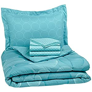 51Ppzg8TzJL._SS300_ Coastal Comforters & Beach Comforters