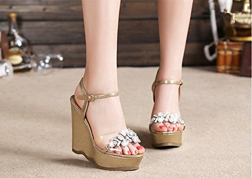 Bailing Sandalias De Verano Para Mujer / Talón De Cuña A Prueba De Agua / Rhinestones De Fondo Grueso / Sexy Zapatos De Tamaño Pequeño De Oro