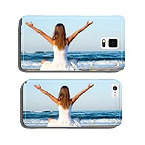 Woman meditating at the sea cell phone cover case Samsung S5
