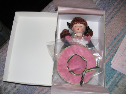 Madame Alexander Dolls Wendy's Witchy Web, 8