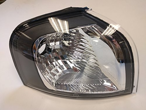 Volvo S80 (2000-2003) Corner Parking Turn Signal Passenger/Right Side w/ Black Bezel 8620464