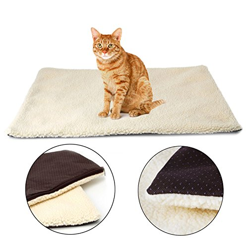 Amrka Cat Dog Pet Rug Mattress Warm Thermal Super Soft Self Heating Fleece Cushion Bed ()