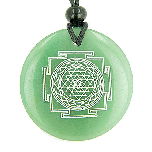 BestAmulets Sri Yantra Chakra Talisman Green Quartz Magic Pendant Necklace